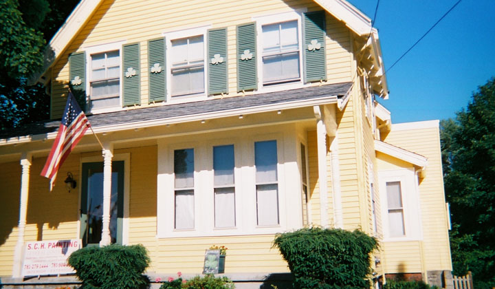 http://www.schpainting.com/before-after-images/ma/melrose-mass/75-Trenton-Street/001.jpg