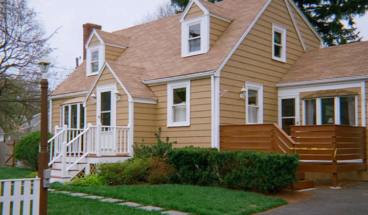 http://www.schpainting.com/before-after-images/ma/stoneham-mass/99-North-Avenue/001.jpg
